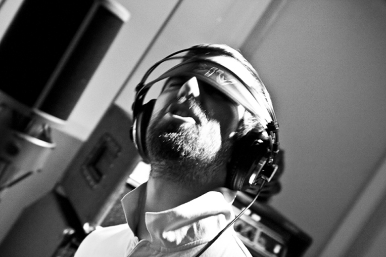 chromatic black_studio_dRm38